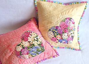 Úžitkový textil - Vankúše - Kvetinová láska - 7148092_