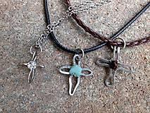 - náhrdelníky - tepané krížiky z nerezovej ocele - 7151063_
