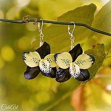 Náušnice - Orchidea Blue Lime - náušnice s kvetom - 7150640_