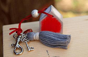 Kľúčenky - Červený domček na tašku alebo kľúče - 7152869_