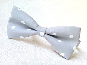 Doplnky - Light grey bow tie with white polka dots - 7156516_