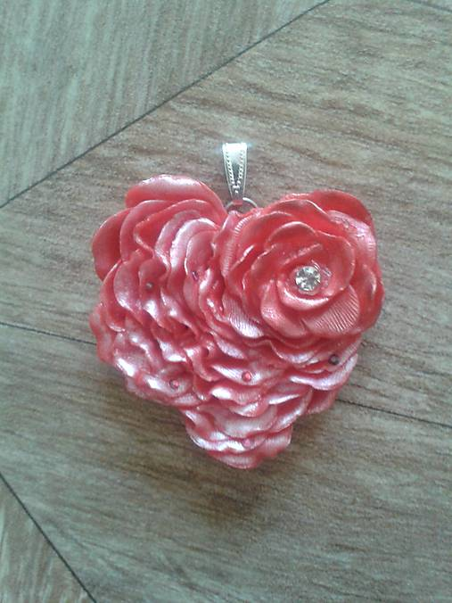 89ae65097 Srdce ruže / MHjewellery - SAShE.sk - Handmade Náhrdelníky