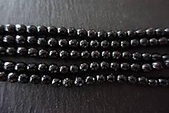 Minerály - Skoryl (turmalín čierny) so sľudou fazetovaný  6mm - 7166931_