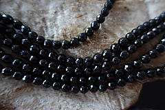 Minerály - Skoryl (turmalín čierny) so sľudou fazetovaný  6mm - 7166938_
