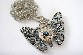 Náhrdelníky - Steampunkový náhrdelník Motýlik - 7168998_