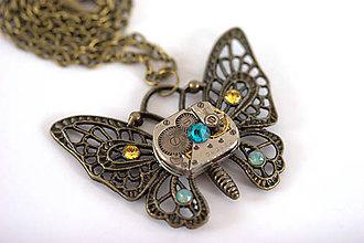 Náhrdelníky - Steampunkový náhrdelník Motýlik - 7170043_