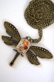 Náhrdelníky - Steampunkový náhrdelník Vážka - 7176146_