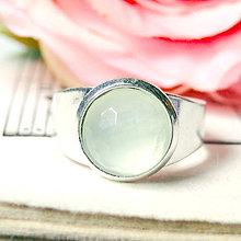 Prstene - Elegant Faceted Prehnite Ring / Prsteň s fazetovaným pravým prehnitom - 7179578_