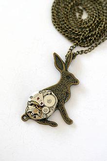 Náhrdelníky - Steampunkový náhrdelník Zajko - 7180099_