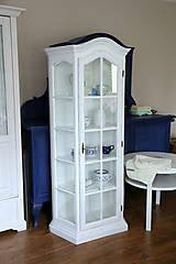 Nábytok - Biela vitrína s patinou - 7178558_