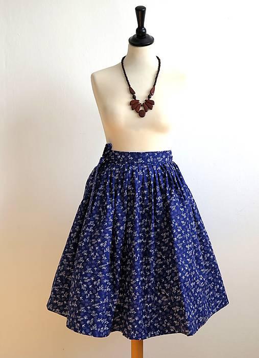 zavinovacia folk sukňa