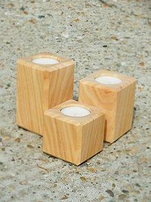 Svietidlá a sviečky - drevené svietničky natur - 7193900_