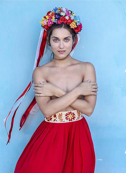 Červená folk sukňa