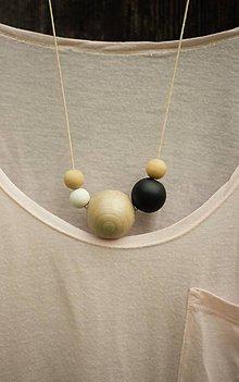 Náhrdelníky - náhrdelník MINIMAL 22 - drevo maľované akrylom - 7194956_