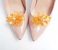 - Tmavožlté medové kvetinkové klipy na topánky - 7197892_