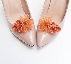 Obuv - Medené kvetinkové klipy na topánky - 7197940_