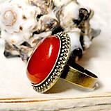 Bronze Red Jade / Prsteň s červeným jadeitom v bronzovom prevedení