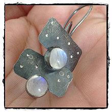 Náušnice - strieborné náušnice s mesačným kameňom - 7202877_