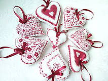 Dekorácie - Red folklore hearts - 7206280_