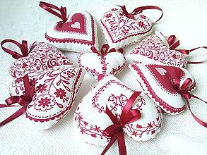 Dekorácie - Red folklore hearts - 7206276_