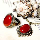 Red Jade & Bronze Set / Náhrdelník a prsteň s červeným jadeitom