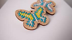 Odznaky/Brošne - Drevené brošne - motýle - 7207724_