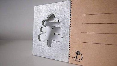 Papiernictvo - Drevená pohľadnica zimný stromček - 7207625_