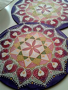 Dekorácie - Mandala lásky a srdcovej čakry - 7206971_
