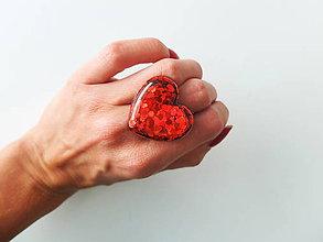 Prstene - Živicový prsteň srdce červené - 7210041_