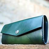 Kožená dámska peňaženka zelená