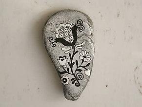 Dekorácie - Prírodný kameň – Folk kvietok 02 - 7214650_