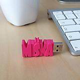 USB kľúč s vlastným názvom