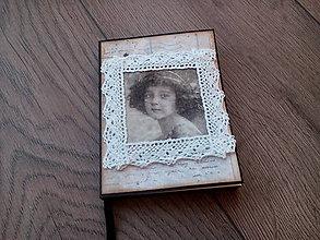 3c0c61003 Papiernictvo - Zápisník - Dievčatko s čipkou - 7216667_