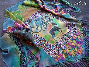 Šatky - Lesný majestát- trojcípa maľovaná hodvábna šatka so strapcami - 7219914_