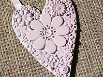 Ružové srdce plné kvetov
