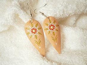 Náušnice - Náušnice kožené, jemné kvieťa - 7224994_