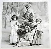- Servítka V26- Pri vianočnom stromčeku - 7228857_