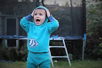 Detské oblečenie - Flísová mikinka s kapuckou \