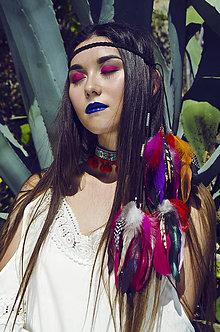 Ozdoby do vlasov - Multifunkčná pletená čelenka s perím - 7231785_