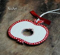 Dekorácie - Vianočná ozdoba jabĺčko folk bodkované - 7240413_