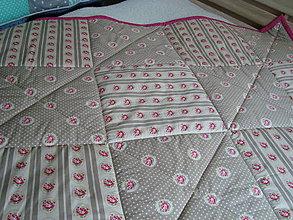 Úžitkový textil - Patchworkový prehoz hnedo- ružičkatý                                                                     -  zľava 10 € ! - 7241363_