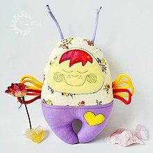 Hračky - Vesmírny chrobáčik slamienkový - hrkálka - 7246173_