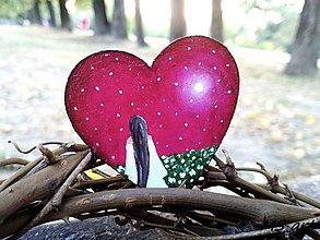 Odznaky/Brošne - Drevená brošňa - srdce ružová - 7242974_