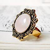 Prstene - Vintage Gold & Rose Quartz / Prsteň s ruženínom v starozlatom prevedení - 7250149_