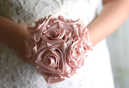 Kytice pre nevestu - Saténová svadobná kytica staroružová ruže - 7247824_