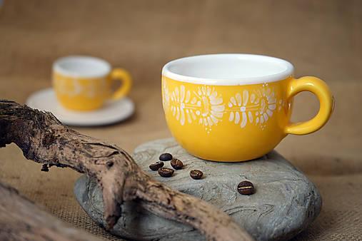 Šálek na cappuccino kopretiny žlutý