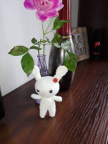 Hračky - Malý zajko s kvietkom - 7254786_