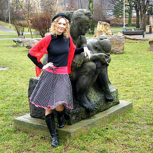 ffa5a92d575 Černo-červená puntíkovaná sukně   Princezna-Pampeliska - SAShE.sk ...