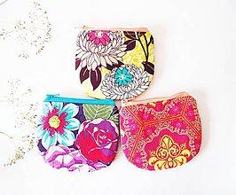 Peňaženky - Peňaženka - kvety na žltej - 7276242_
