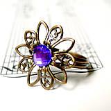 Prstene - Violet Sparkling Flower in Bronze / Vintage prsteň s fialovým krištálikom - 7282644_